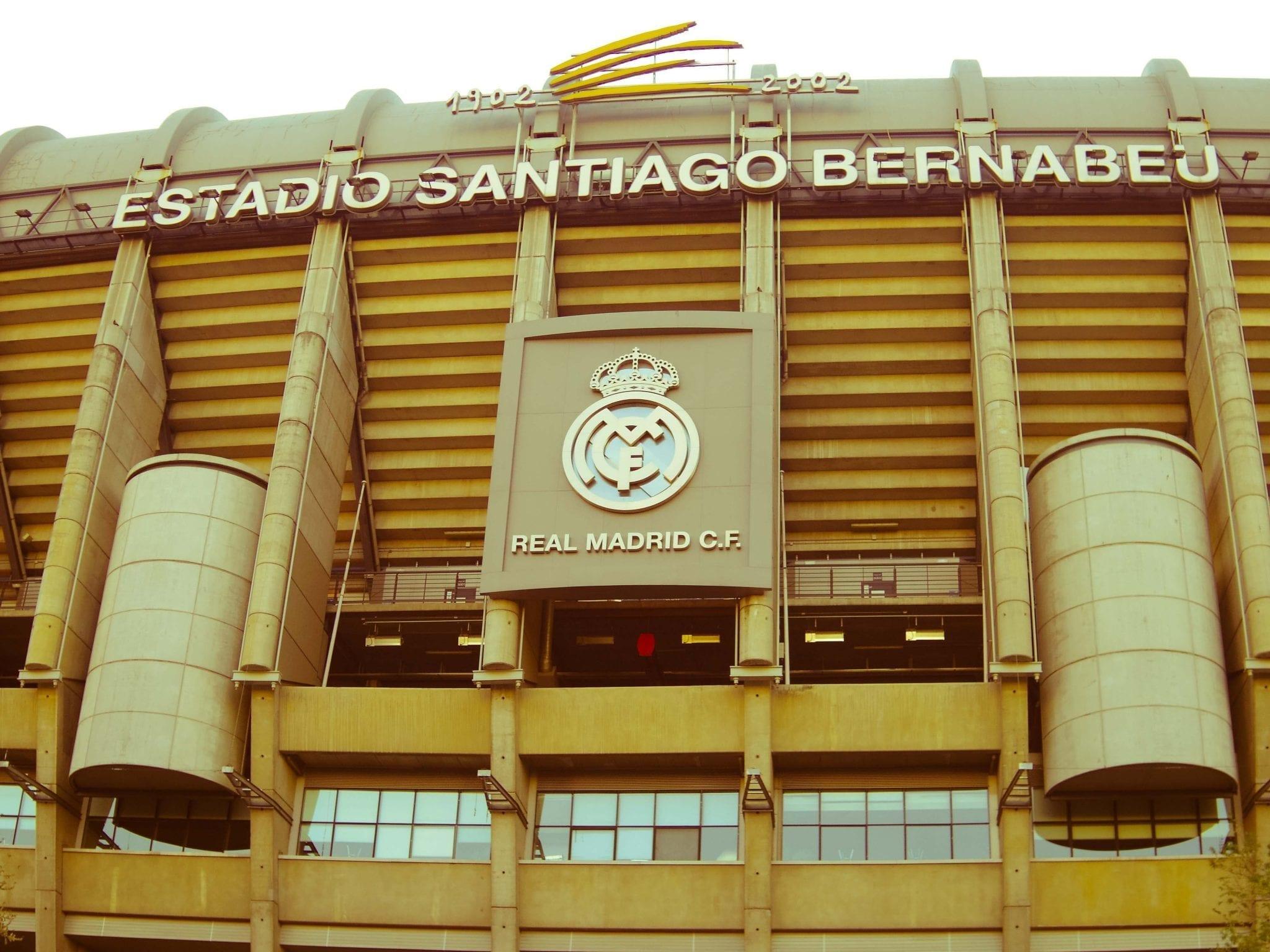 Real Madrid Santiago Bernabeu stadium escudo Castellana